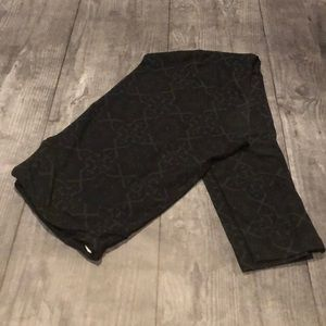 Lularoe Leggings - Black Design